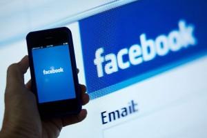 951485-facebook-permet-entreprises-rejoindre-leurs