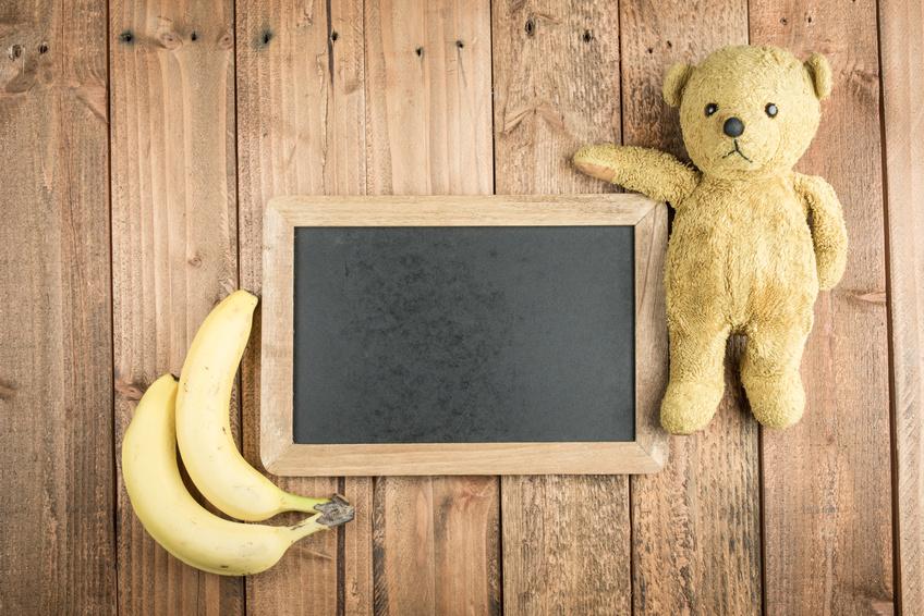 バナナと黒板とテディーベアー