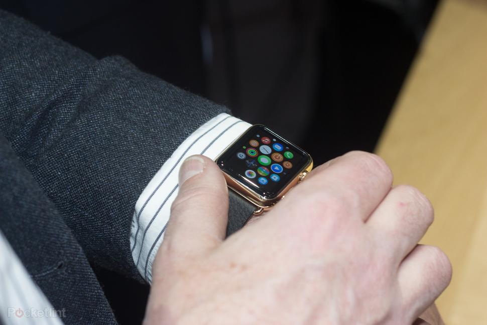 apple-watch-user