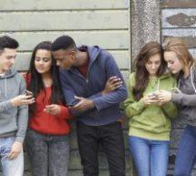 Omniprésence du visionnement de contenus connectés chez les 12-25 ans