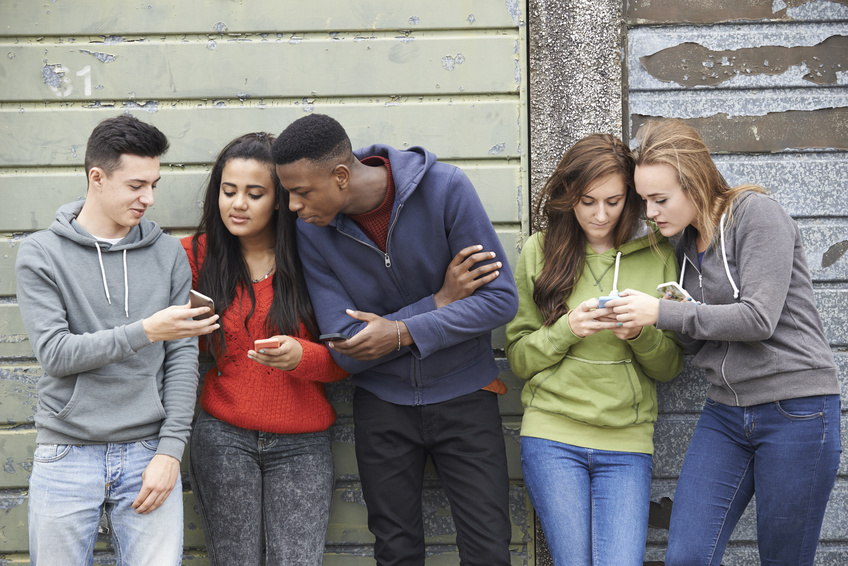 adolescents-smartphone-reseaux-sociaux