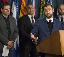 Des journalistes demandent à Ottawa d'agir pour protéger la liberté de la presse | La Russie bloque le réseau social LinkedIn