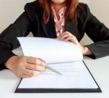 Expliquer un contrat en gardant l'attention du client