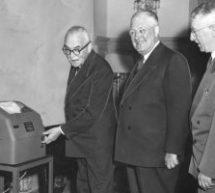 La Presse canadienne célèbre ses 100 ans | Voitures électriques: réactions polarisées au projet de règlement de Québec