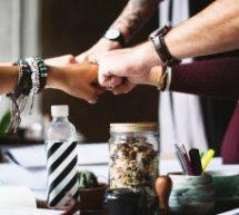 Pour fidéliser vos employés, mieux vaut leur offrir des avantages sociaux qu'une table de ping-pong !