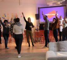 Dans les coulisses de la Factry, la nouvelle école montréalaise pour apprendre… la créativité !