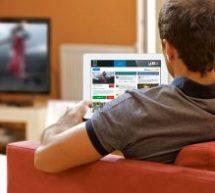 On passe désormais plus de temps en ligne que devant les médias traditionnels au Canada