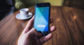 Fil de presse : Une intelligence artificielle plus éthique et plus transparente sur Twitter ?