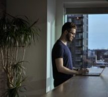 Télétravail et bien-être: des signaux «mixtes» de la part des professionnels canadiens