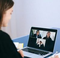 Bien se préparer à une entrevue d'embauche virtuelle